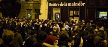 Paris (XIe), le 28 décembre 2013. Le théâtre de la Main d'Or avant un spectacle de Dieudonné.
