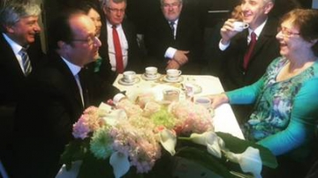 François Hollande rencontre Lucette Brochet le 29 octobre 2015