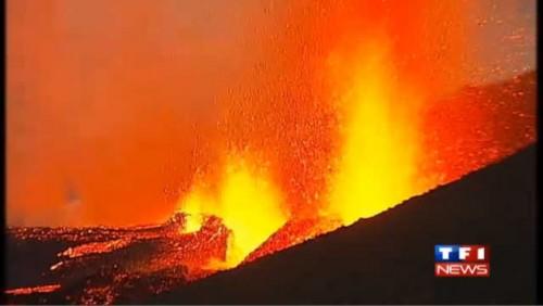 volcan-eyjafjoff-en-eruption-dans-le-sud-de-l-islande-4346626mzhch_1713.jpg