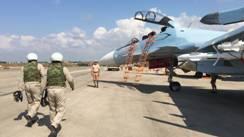 Des pilotes russes avant un raid aérien en Syrie