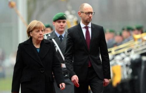 515x330_premier-ministre-ukrainien-arseni-iatseniouk-a-berlin-compagnie-angela-merkel-jeudi-8-janvier-2015.jpg