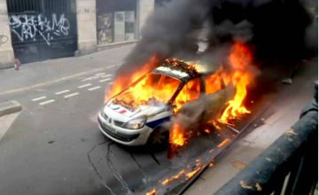 voiture-police-incendiee
